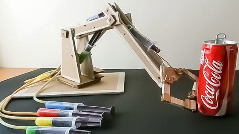 makerspace STEM projects & activities hydraulic arm