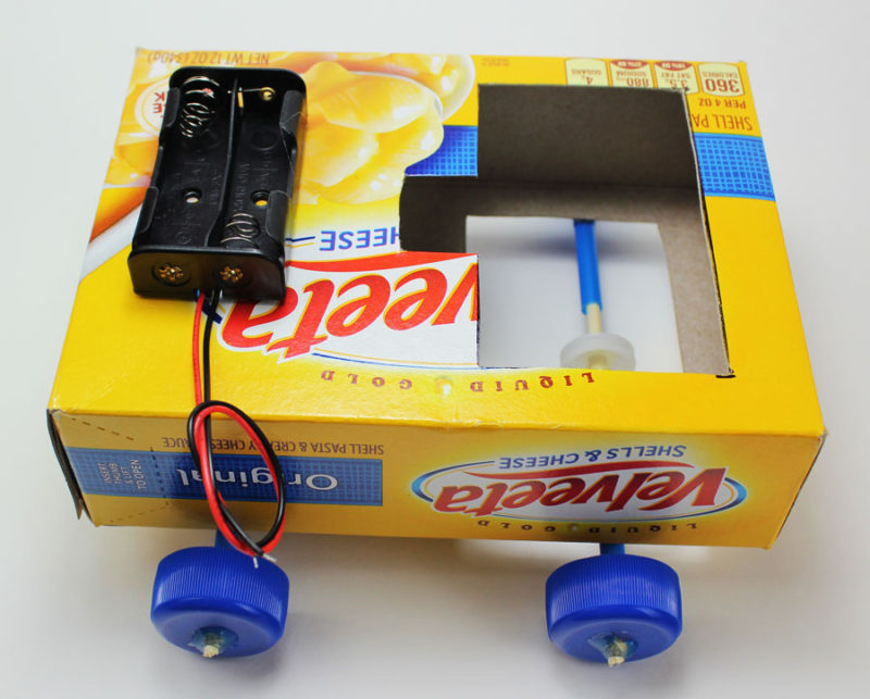science makerspace project pulley car battery holder